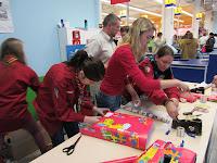 20121215_toys_r_us_packerlaktion_121414.jpg