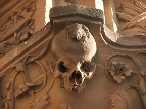 la rana de la portada de la Universidad de Salamanca