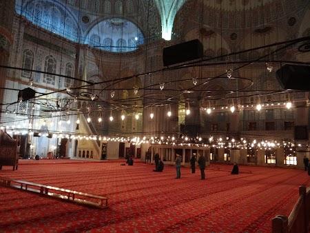 Obiective turistice Istanbul: Interior Moscheea Albastra