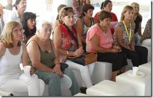 Hubo charlas, espacios de pedagogia e intercambio entre los profesionales y las mujeres asistentes