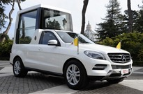 Mercedes-ML-PopeMobile-2