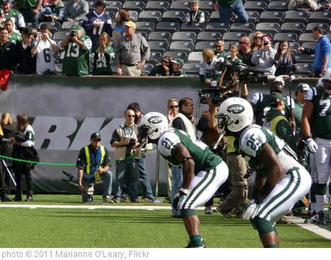 'New York Jets Running Backs LaDainlian Tomlinson and Joe McKnight' photo (c) 2011, Marianne O'Leary - license: http://creativecommons.org/licenses/by/2.0/