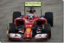 Alonso nelle prove libere del gran premio di Singapore 2014