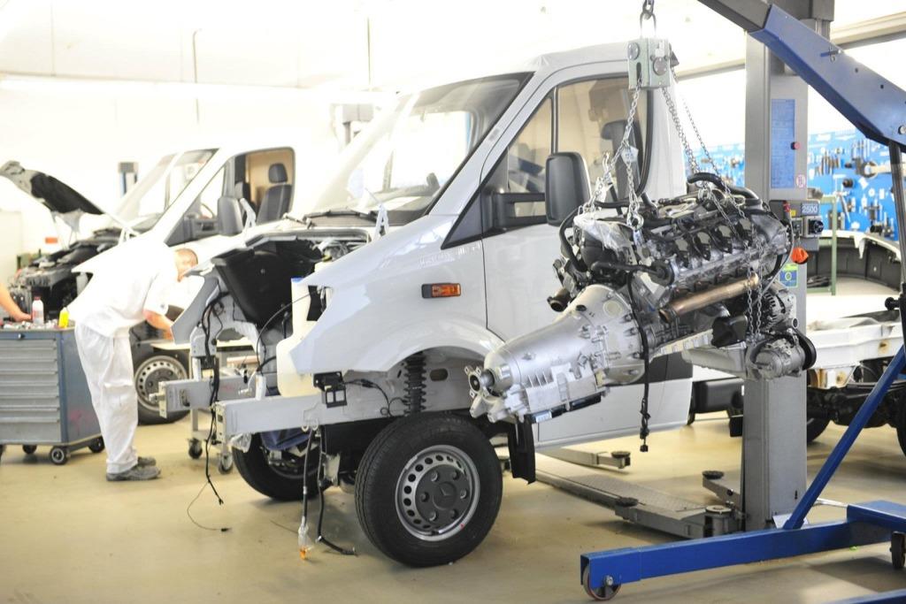 Brabus-Mercedes-Benz-Sprinter-V8-3.jpg?imgmax=1800