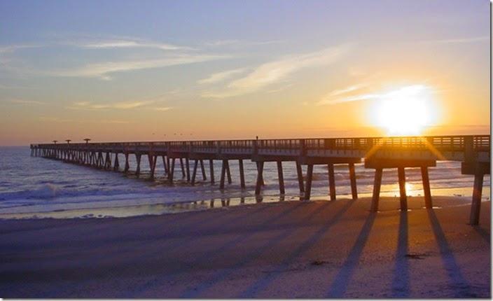 best-western-oceanfront-jacksonville-beach-florida-pier-sunrise