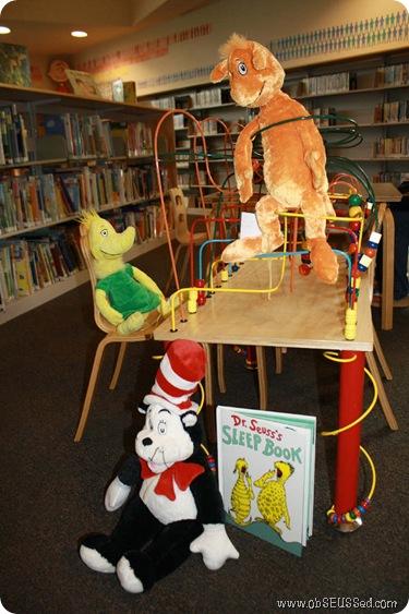 stuffed_animal_sleepover_library_obSEUSSed_1