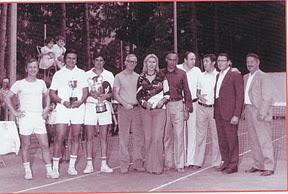 Foto di gruppo con Gino Garrone, 1973