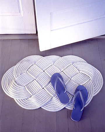 Braided Doormat. (marthastewart.com/269741/braided-doormat)