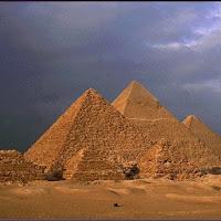 15.- Pirámides de Gizeh