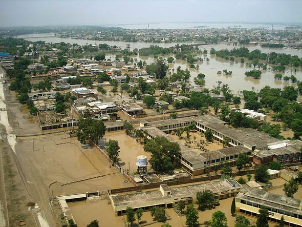 Aerial view of flooding in Sindh province, Pakistan, 1 October 2012. pardaphash.com