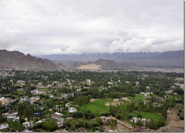 leh 027 vue de shanti stupa