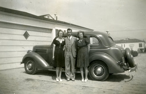 1936 Ford Hump Back Sedan.