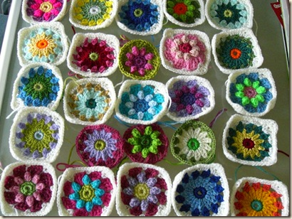 Roses & Daisies Throw - granny squares