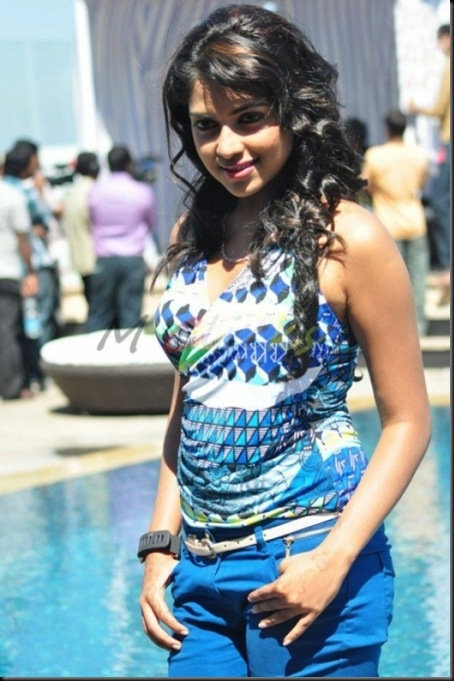 amala-paul-latest-stills-2
