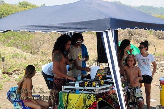 Camaronal_Beach_Surf_Contest_2012_1