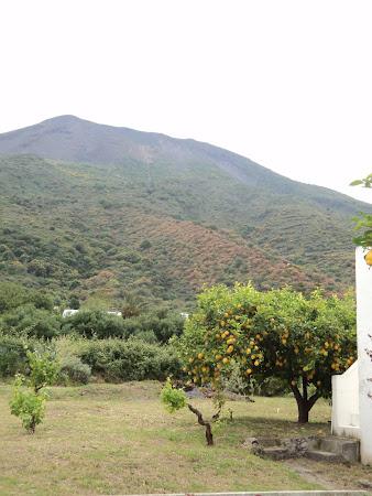 Vulcani Sicilia: Stromboli - Lamai si Lava