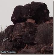 Castellet de Bernabé - Tramo de muralla ennegrecido por el fuego
