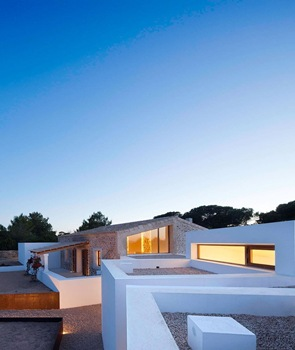 Casa-reformada-por-Marià-Castelló