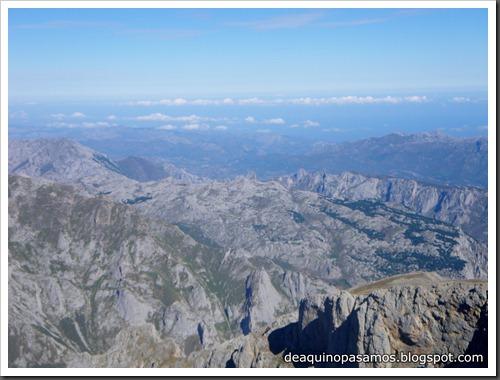 Jito Escarandi - Jierru 2424m - Lechugales 2444m - Grajal de Arriba y de Abajo (Picos de Europa) 0091