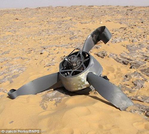 aviao Kittyhawk P-40 encontrado no deserto 70 anos desbaratinando  (4)