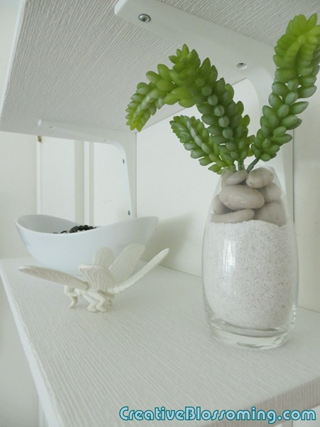 bedroom-shelf-vignette-001