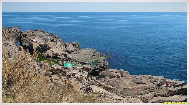 Каменный пляж. Созополь. Болгария