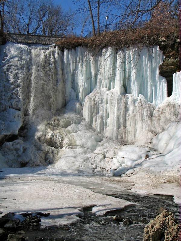 minnehaha falls cavern behind ice cave 2