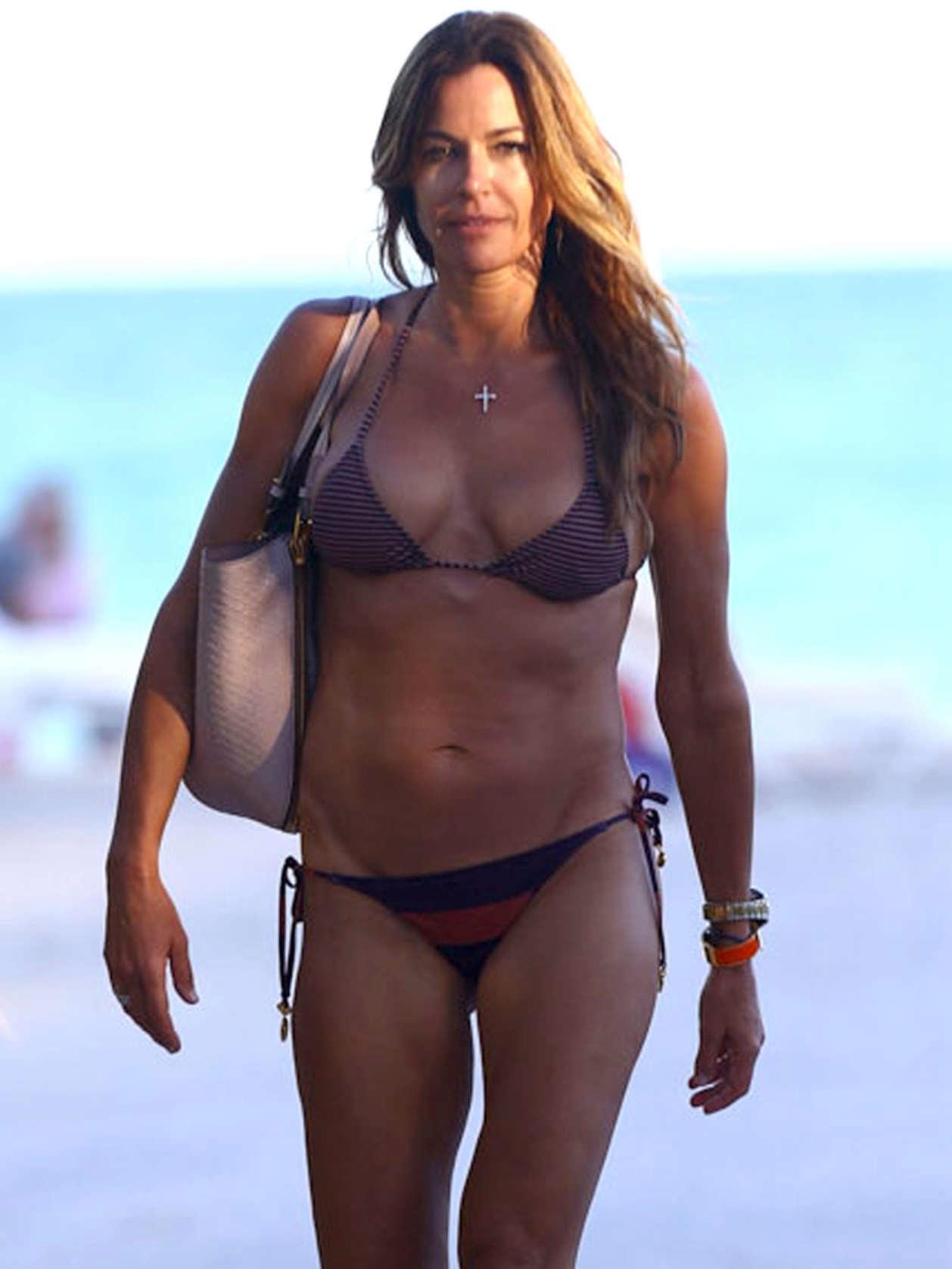Kelly Bensimon Bikini Nude Photos 34