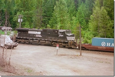 259160363 Norfolk Southern C40-9W #9585 at Berne, Washington in 2002