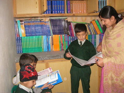 Rotary Books for the World_Hashoo Foundation Distribution (135)