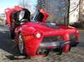 Ferrari-LaFerrari-2