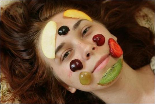 1303903072_1268303081_fruktovye_maski_dlya_lica_pobaluem_kozhu_vitaminam