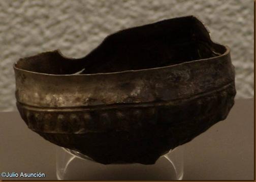 Cuenco con decoración de cabezas humanas - necrópolis del Castillo - Castejón - Museo de Navarra