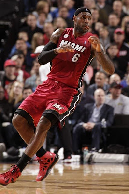lebron james nba 130110 mia at por 03 King James Debuts LBJ X Portland PE But Ends Scoring Streak
