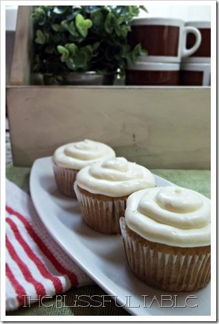 banana cupcakes 008a