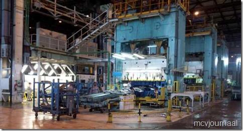 Dacia fabriek 2013 02