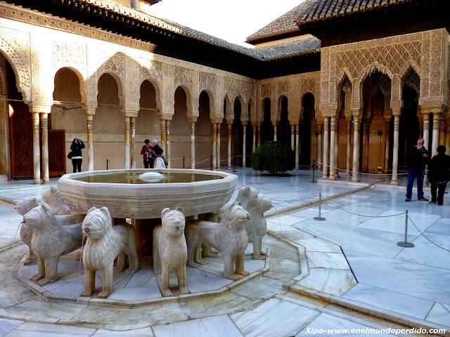 patio-de-los-leones-alhambra.JPG