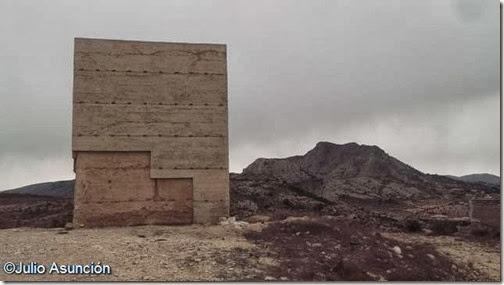 La Torreta de Elda y el alto de Cámara al fondo