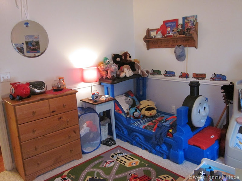 A Thomas The Train Bedroom • Sweet Parrish Place