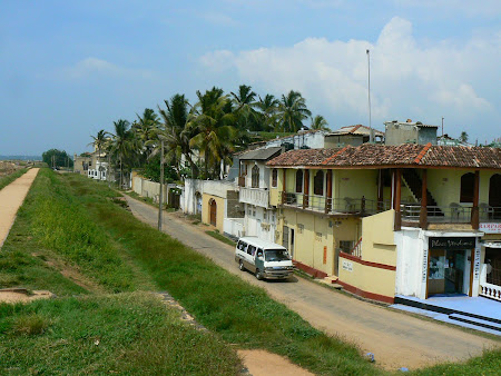 Things to do in Galle: visit the water front