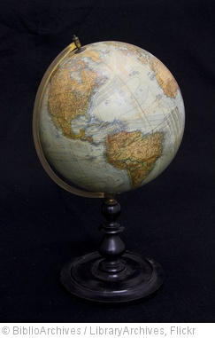 'Globe Terrestre' photo (c) 2012, BiblioArchives / LibraryArchives - license: http://creativecommons.org/licenses/by/2.0/