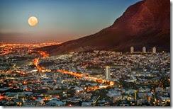 vista de la ciudad por la noche