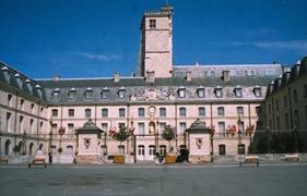 2003.08.24-162.03 palais des ducs