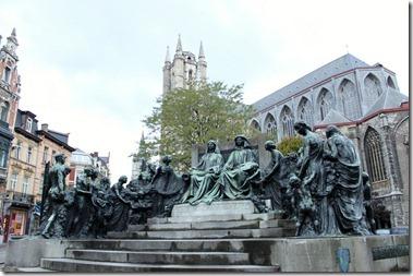 Saint Bavo Cathedral ファンアイク兄弟の像