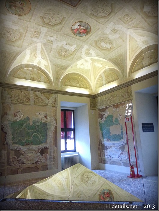 Dentro al Castello Estense: la Sala delle Geografie o Marchesana, Foto1, Ferrara, Emilia Romagna, Italia - Inside the Estense Castle: the Hall of geographies or Marchesana, Photo1, Ferrara, Emilia Romagna, Italy - Property and Copyrights of FEdetails.net  (c)