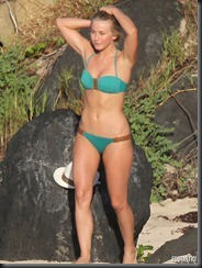 julianne-hough-green-bikini-st-baths-01-675x900