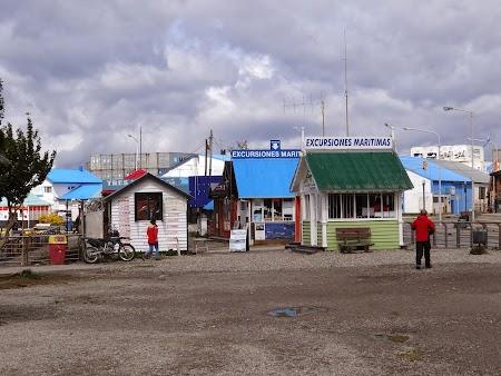 Ushuaia, Tara de Foc:  Agentii turism