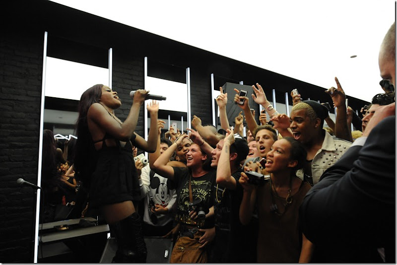 Azealia Banks performs at MAC Soho in celebration of Fashions Night Out_1