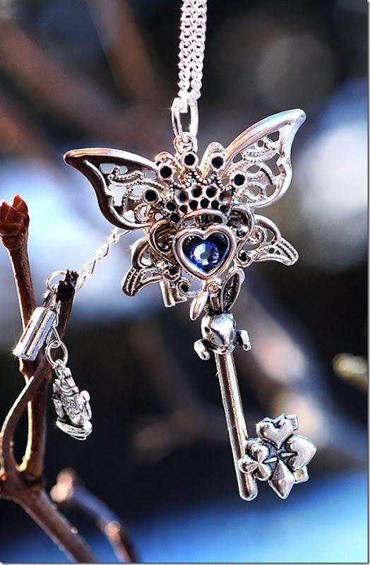 Alice in Wonderland Key Necklace Version 2