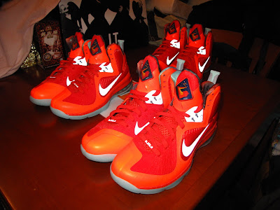 nike lebron 9 gr galaxy allstar 5 03 Your Nike LeBron 9 Galaxy Will Glow in the Dark!